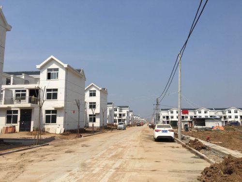 位于信阳市平桥区明港镇吴堂村的移民安置点